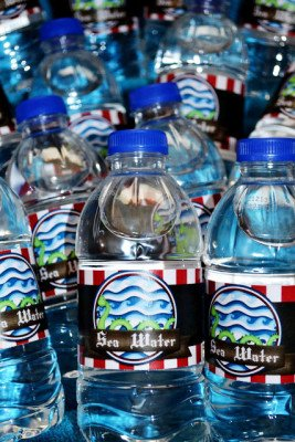 aw_captain_water-bottles_01